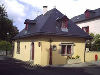 Sweet, quiet and comfortable gite in a lovely village.