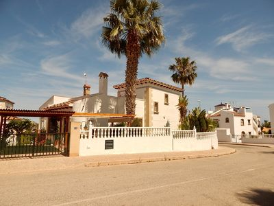 Photo for Large detached 3 bed villa, free Wi-Fi, 5 minutes walk to the Villamartin Plaza!