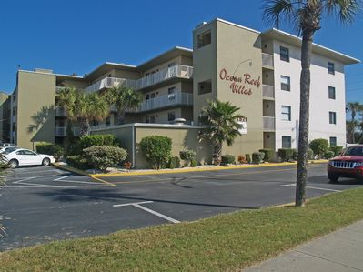 Great advantage….A small ( 48 units complex….) and a very LARGE POOL!