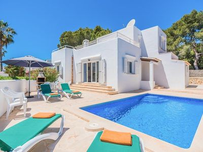 Photo for 4 bedroom Villa, sleeps 9 in Cala Egos with Air Con and WiFi