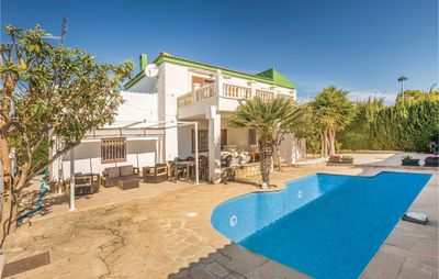 Photo for 6 bedroom accommodation in Calafat