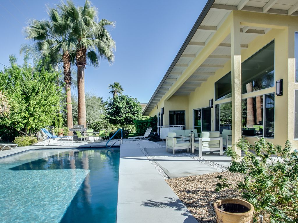 Scotts Mid Century Modern Home 2 Bed 2 Bath, California Hotels ...