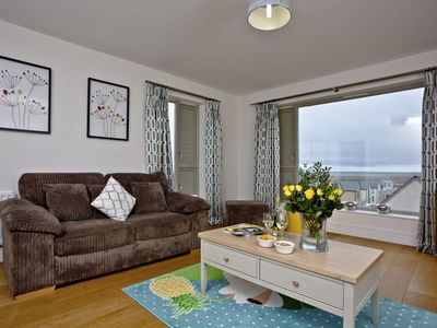 Photo for Stunning Dorset House With Sea Views