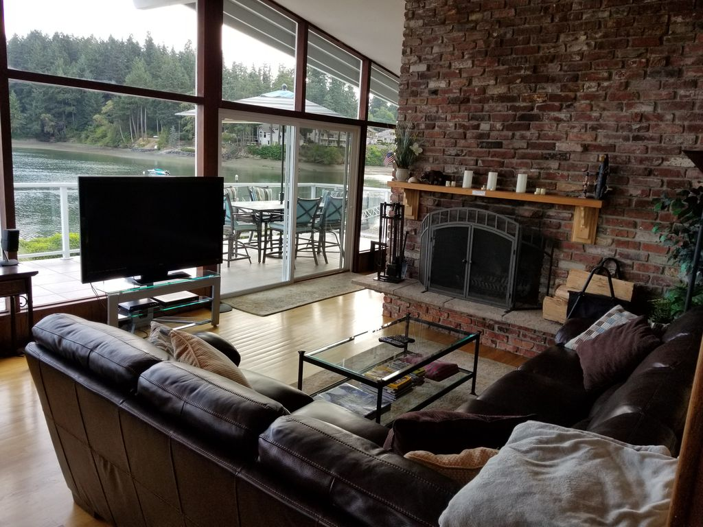 oyster bay home located on puget sound wat vrbo