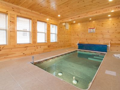 Private Indoor Swimming Pools beary dee-lightful: 5 br / 5 ba cabin in - homeaway pigeon forge