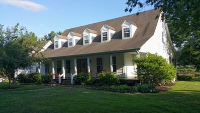 Photo for !Waterfront, Boat Incl. Dock, AC, Large Screened Porch, Steps from Quaint Town