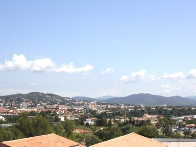 Photo for Holiday rentals Hyeres Villa Close to beach