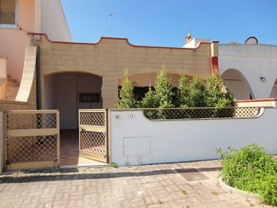 Photo for Holiday Apartment with Air Conditioning and Courtyard; Parking available; Pets Allowed