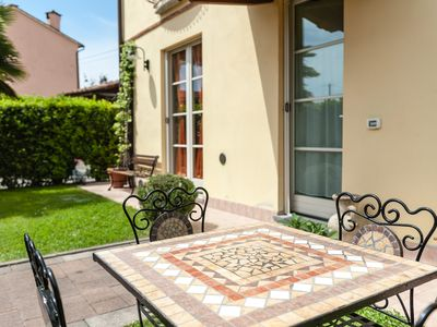 Photo for Clarissa's Home - Independent apartment with garden in Lucca