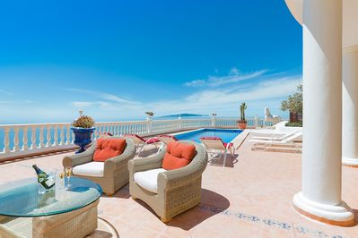Relax on the 750m2 terrace on sofas or sunloungers or swim in the heated poo