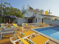We really enjoyed the villa -plenty of space, good kitchen appliances and the pool and outdoor fa...