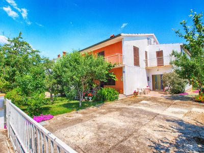 Photo for Holiday apartment Valbandon for 4 - 7 persons with 2 bedrooms - Holiday apartment