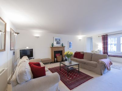 Photo for Large City Centre Flat, 4-6 people