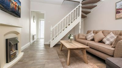 Photo for Sweet 16 - 2 bedroom, 1 bathroom townhouse. 180 metres to the Latin Quarter. Sleeps 4