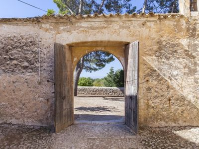 Photo for Rustic mansion in the middle of nature. Welcome to the autentic Mallorca