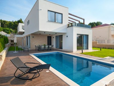 Photo for Stunning private villa for 11 guests with private pool, WIFI, A/C, TV and parking