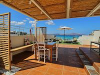 Lovely apartment and terrace in friendly Almyrida
