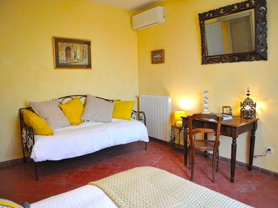 Photo for Suite Des Magnarelles - Bed and Breakfast in Provence, Fontaine Des Magnarelles