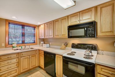 Kitchen - <center>Beautiful cozy fully equipped kitchen<center>