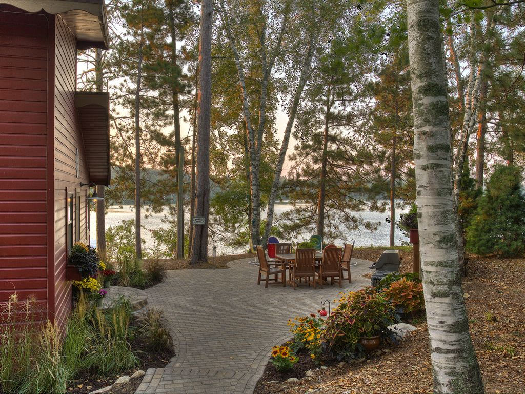 Lakeside Patio And Lake