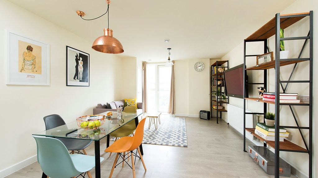 Bright And Spacious 2BR Flat In East London
