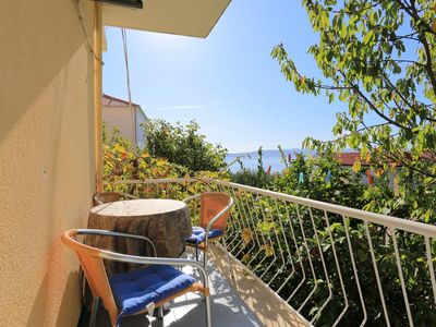Photo for One bedroom apartment with balcony and sea view Baška Voda, Makarska (A-2678-d)