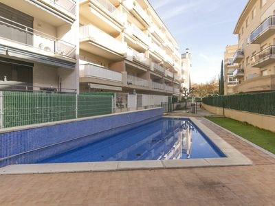 Photo for Nice apartment for 6 guests with pool, WIFI, A/C, TV, balcony and parking