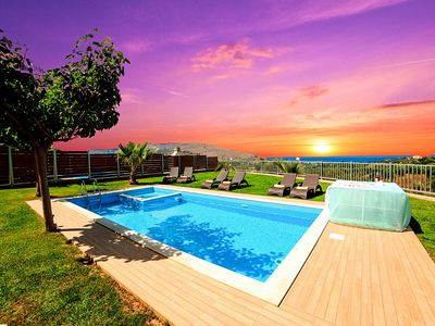 Photo for Sunlight Villa with Private Pool