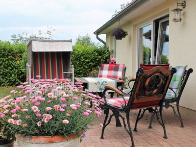 Photo for Cottage near the water with 2 bedrooms, garden, terrace and beach chair