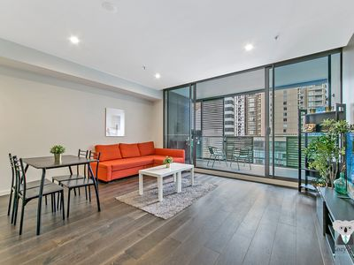 Photo for Home Sweet Home Hyde Park | 2 BED APT at CBD