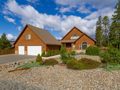 Photo for Exceptional Cabin in Roslyn Ridge! Private Sports Court & Hot Tub | Pool