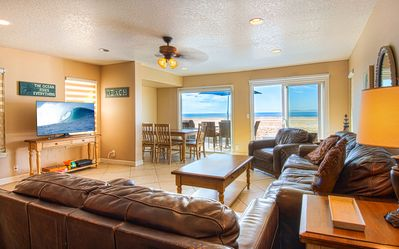 Photo for Beautiful lower oceanfront unit in an amazing location! Close to everything!
