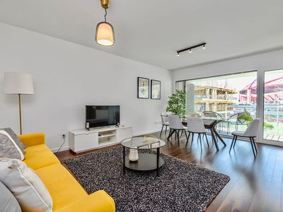 Photo for Lovage Yellow Apartment, AC, Wifi, Pool