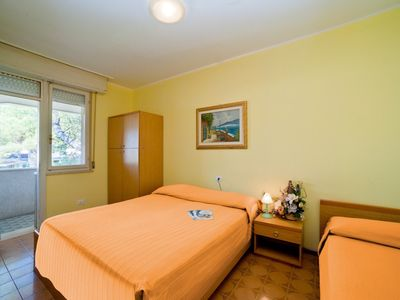 Photo for Residence with garden, 900 mt from the sea