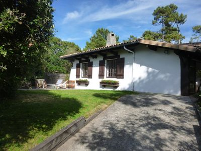 Photo for Traditional Basque villa with swimming pool, terraces, beach and shops on foot.