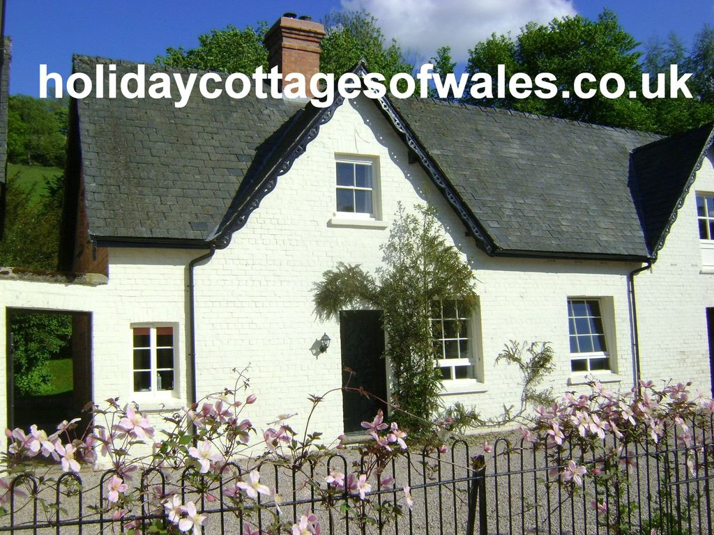 stablings wales trwstllewelyn cardigan to cottage bay garthmyl sc self in the mid photo rent cottages catering