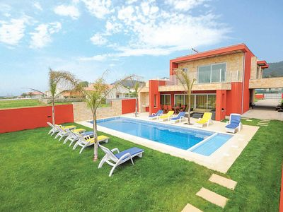 Photo for 5 bedroom Villa, sleeps 10 in Marinhas with Pool, Air Con and WiFi