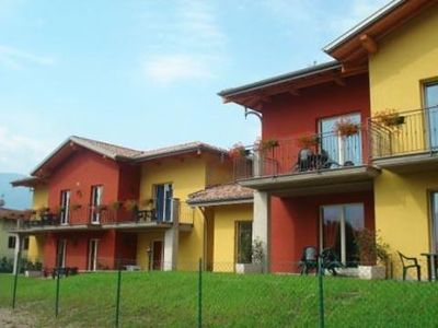 Photo for 2-bedroom apartment Colombo Nesso with terrace and large pool, a short walk from the lake