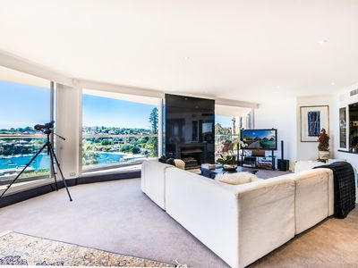 Photo for Expansive Luxury Penthouse Living