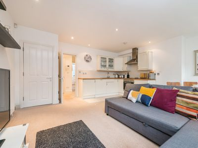 Photo for OXFORD STREET APARTMENT / 2 FOLEY