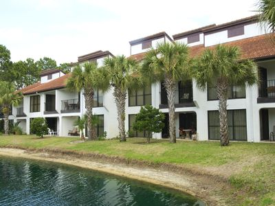 Photo for Welcome to Paradise! 2 bedroom/2bath Golf /Tennis villa. Great Location!
