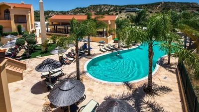 Photo for Two bedroom apartment at Baía da Luz. 5 minutes walk from town and beach