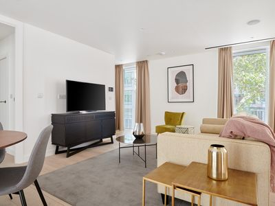 Photo for Sonder | Southwark Residence | Ideal 2BR + Balcony