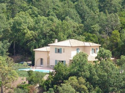 Photo for Luxury detached villa, peace and nature with large pool and near the sea