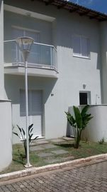 House in Cond. Closed Cove Beach - Ubatuba, 2Qts. Pool Air Conditioning.
