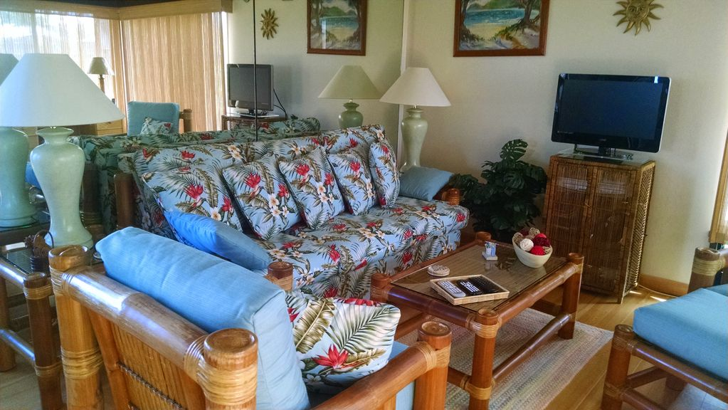 Beautiful Condo At The Princeville Resort On KauaiHi Living Room