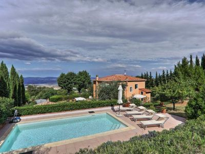 Photo for Villa with swimming pool in a dominant position ideal for family holidays