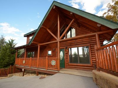 Photo for Pine Cone Lodge 10% OFF for 5/27-7/1-3.9 mi to Pigeon Forge-Pool Table-Hot Tub-Jacuzzi- Resort Pool