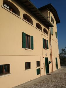 "Photo for ""Sunset in the Castle"", three-room apartment near Lake Garda"