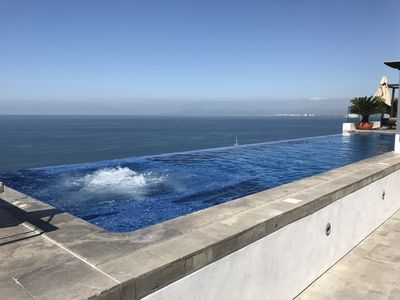 Photo for Serenita is a thoroughly modern space with an ocean view in an awesome location.